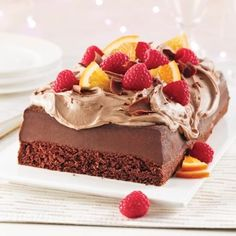 Chocolate cake is always a winning strategy for satisfying a sweet tooth! Chocolate Mousse Cake, Chocolate Hazelnut, Glaze For Cake, Hazelnut Spread, Christmas Chocolate, Dessert Buffet, Eat Cake, Cupcake Cakes, Cake Recipes