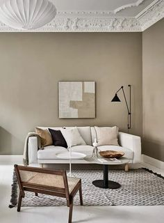 Now that fall weather seems to be all we are getting here in Munich, I'm really drawn to tints of brown and beige like in this stunning Swedish interior. The warm beige walls in the living room go very nicely … Continue reading → Apartment Interior, Living Room Interior, Living Room Decor, Condo Interior Design, Decor Room, Interior Styling, Interior Decorating, Beige Living Rooms, Deco Design