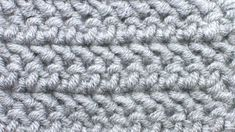 The Herringbone Half Double Crochet (HHDC) creates a fun textured pattern. The tilt of this stitch creates the Herringbone arrow-shape on the fabric. Different Crochet Stitches, Crochet Stitches Patterns, Crochet Patterns For Beginners, Stitch Patterns, Crochet Tutorials, Crochet Ideas, Chunky Crochet Blanket Pattern Free, Hdc Crochet, Crochet Hook Sizes