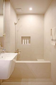온라인집들이 :: 내 니즈에 꼭맞춘 호텔보다 좋은 베이지톤 욕실 인테리어 : 네이버 블로그 Baby Art, Bathroom Interior, Sweet Home, Bathtub, House, Kitchen, Furniture, Home Decor, Luxury Closet