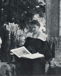 "antique-royals: "" Queen Maria of Romania "" ~ Beautiful Bookworms ~ Royal King, Royal Queen, King Queen, Princess Alexandra, Princess Beatrice, Princess Victoria, Queen Victoria, Vintage Photographs, Vintage Photos"