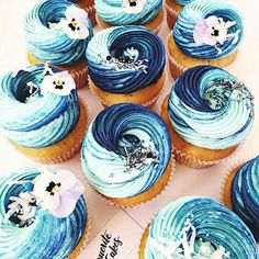 sea of cupcake by @margueritecakes . These cupcakes are amaziiiing!!! I love the color like the blue of ocean. J'adore la couleur du nappage qui est comme le bleu de l'océan. #cupcakes #cupcake #blue #ocean #blueocean #sea #ombre #flower #flowers #macaron #macaronlove #donuts #eclair #food #foodporn #foodpic #cake #cakes #cakedesign #baker #bakery #pastry #patisserie #amourducake #photooftheday