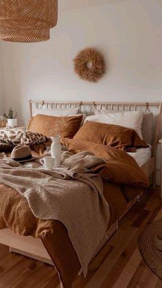 Tan Bedroom, Room Design Bedroom, Room Ideas Bedroom, Bedroom Styles, Home Decor Bedroom, Brown Room Decor, Living Room Decor Cozy, My New Room, Room Inspiration