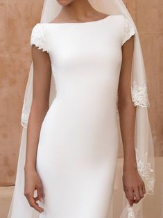 Pronovias Off-white Crepe Anitra Feminine Wedding Dress Size 10 (M) - Tradesy Crepe Wedding Dress, Pronovias Wedding Dress, Sheath Wedding Gown, Couture Wedding Gowns, Luxury Wedding Dress, Wedding Dress Sizes, Bridal Dresses, Column Wedding Dresses, Minimalist Wedding Dresses
