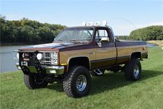 """Auction season kicks off just after the new year, and what better way to start 2018 off than with a """"Fall Guy"""" Chevrolet clone of the TV show truck? Chevy 4x4, Chevy Pickup Trucks, Classic Chevy Trucks, Gm Trucks, Jeep 4x4, Chevy Pickups, Chevrolet Trucks, 80s Chevy Truck, Classic Cars"""