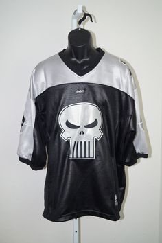 THE PUNISHER JERSEY 2002 FOOTBALL SIZE XL SILVER, BLACK, WHITE MARVEL COMICS