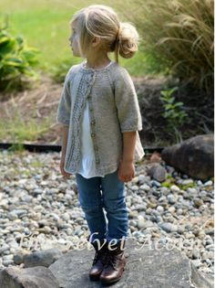 Can someone knit this for my daughter? LOVE this lovely knitted cardigan with leaf lace detail for girls. Cove Cardigan by Heidi May - The Velvet Acorn Designs - ravelry Knitting For Kids, Baby Knitting, Crochet Baby, Knit Crochet, Crochet Cardigan, Free Knitting, Crochet Granny, Loom Knitting, Crochet Crafts