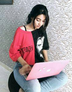 Stylish Girls Photos, Stylish Girl Pic, Beautiful Girl Photo, Beautiful Gorgeous, Cute Selfie Ideas, Indian Mehndi Designs, Teenage Girl Photography, Persian Girls, Profile Picture For Girls