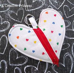 zippered heart pouch - would be perfect to store headphones in!