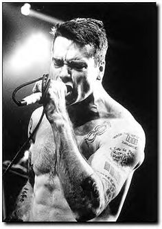 Black Flag Band, Henry Rollins, Peter Steele, Star Painting, Famous Musicians, Music Pics, Punk Goth, Foo Fighters, Good Music