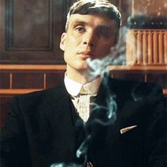 21 times when Thomas Shelby and other Peaky Blinders couldn't give any less fucks. Check out the most grimacing, side-eyeing, 'bitch please', idgaf, shade-throwing, eye rolling smirks I could find from Seasons 1 and 2.