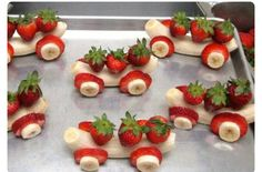 Banana and strawberries car - fun fruits for kids