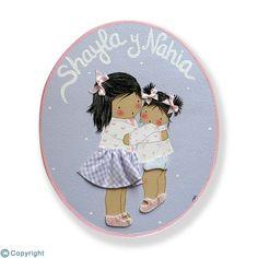 Placa de puerta personalizada: Niña con su hermanita (ref. 12171-04)