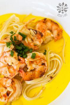 Shrimp with saffron sauce and butter pasta