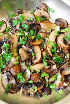 Ingredients  2 tablespoons olive oil 12 oz button mushrooms, thinly sliced 3 cloves garlic, chopped salt and pepper chives or green onions, finely chopped