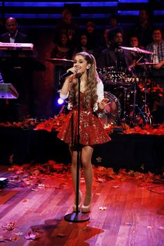 "Ariana Grande sings ""Last Christmas"" http://www.latenightwithjimmyfallon.com/blogs/2013/11/ariana-grande-last-christmas/"