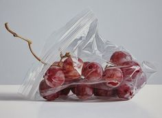 plum oil painting ruddy 15 Photo Realistic Oil Paintings by Ruddy Taveras http://myartmagazine.com/photo-realistic-oil-paintings-ruddy-taveras