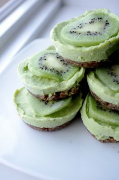 Mini Kiwi Lime Tarts (Raw, Vegan & Gluten Free!) Go ahead & eat dessert first!