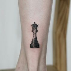 coolTop Body - Tattoo's - Cosmic queen tattoo by Tattooist Doy. Chess Piece Tattoo, Pieces Tattoo, Body Art Tattoos, New Tattoos, Small Tattoos, Tatoos, Tattoo Designs For Women, Tattoos For Women, Paar Tattoo