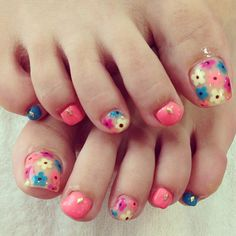 Colorful Summer Nail Art Design For Toenails These days, not alone fingernails but additionally toenails are advised as important credibility of adorableness for women. Toe nail designs look very p… Turquoise Toe Nails, Neon Toe Nails, Flower Toe Nails, Purple Toe Nails, Pretty Toe Nails, Summer Toe Nails, Toe Nail Art, Pretty Toes, Matte Nails