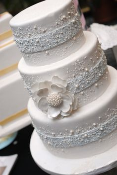 This cake perfect for a winter wedding! Get your four complimentary tickets to…