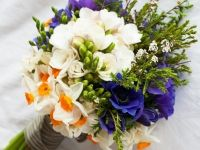 Perfect spring posy. Smells so good too!