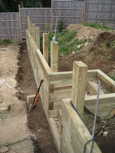 DIY Front Yard Retaining Wall Ideas - Enjoy Your Time - This tutorial was created for ., DIY Front Yard Retaining Wall Ideas - Enjoy Your Time - This tutorial is made for newbies interested in building stone retaining walls, 3 feet tall or - Bien. Sleeper Retaining Wall, Retaining Wall Steps, Garden Retaining Walls, Landscaping Retaining Walls, Landscaping Ideas, Building A Retaining Wall, Garden Walls, Railroad Tie Retaining Wall, Sloped Backyard Landscaping