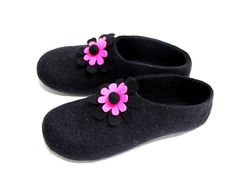 Share Your Love Pink Flower Wool Slippers, Womens Felted Slipper, Gift For Her, Women Slippers, Just for Her, Valentines Day Gift, Felted