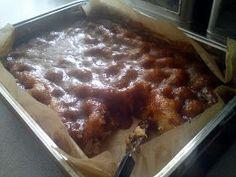Brunsviger (recipe in Danish) Danish Cake, Danish Dessert, Danish Food, Baking Recipes, Cake Recipes, Dessert Recipes, Brunch Cake, Delicious Desserts, Yummy Food