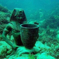 Trave lost-city-of-heracleion-egypt12 under water
