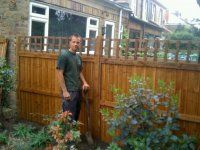 Garden fencing North London. Greenfellas fencing installers provides fencing services, garden fences and complete fence installation service.