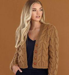 Knitting Patterns Cardigan Alpaka – we knit beautiful things. Knit Cardigan Pattern, Chunky Knit Cardigan, Jacket Pattern, Cable Knit Sweaters, Crochet Cardigan, Chunky Knitting Patterns, Knitting Designs, Crochet Patterns, Big Wool