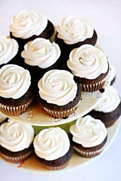 チョコレートカップケーキ…クリームde Rose