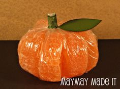 pumpkin make from orange slices!  how cute is this!  Watch the video of how she makes it!