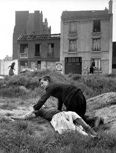 Sabine Weiss, Terrain vague, Porte de Saint-Cloud, Paris, 1950
