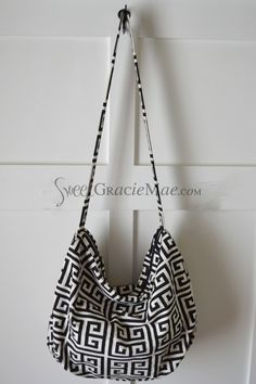 Zippered Cross-Body Bag.  Pattern: Hazel Bag, by I Think Sew