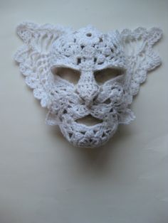Magical crochet mask by Virpi Siira - http://omakoppa.blogspot.fi/