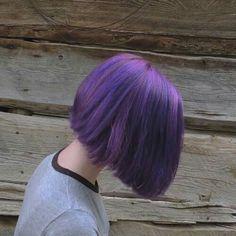purrple shared by on We Heart It - Cabello - Hair Hair Color Purple, Green Hair, Purple Bob, Purple Lilac, Dark Purple, Grunge Look, Dye My Hair, Aesthetic Hair, Grunge Hair