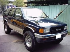 One of the most popular Vehicles to have come up in the Isuzu's line up was #IsuzuRodeo. Isuzu had perfectly blended the pickup truck with a SUV in Isuzu Rodeo  http://www.thecanadianwheels.ca/