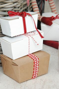 stylish gift wrap - would be lovely in black and white too