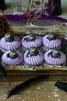 Halloween Baking, Halloween 4, Halloween Desserts, Halloween Cupcakes, Halloween Food For Party, Diy Halloween Decorations, Halloween Design, Halloween Treats, Postres Halloween