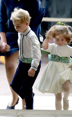 Prince George was a page boy and Princess Charlotte a bridesmaid for Princess Eugenie's royal wedding. Prince And Princess, Princess Kate, Duke And Duchess, Duchess Of Cambridge, Kate Middleton Kids, Eugenie Wedding, Photos Of Prince, Prince George Alexander Louis, Estilo Real