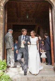 Mi amiga Alba en su boda con un precioso Navascués. (Casilda se casa). Es la boda más bonita a la que he ido. @eclecticarium