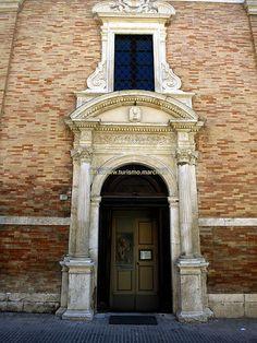 Urbino: Chiesa di Santo Spirito - Marche, Italy