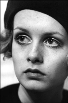 TWIGGY, British model. 1968 -beautiful portrait shot by Raymond Depardon
