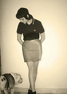 Fred Perry and a pencil skirt. Lovin' this look. Skinhead Girl, Skinhead Fashion, Skinhead Style, Mod Fashion, Punk Fashion, Girl Fashion, Dr. Martens, Youth Subcultures, Mod Girl