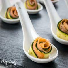Roselline di zucchine crude marinate e salmone: un finger food elegante | Mangia Bevi Godi - Blog di cucina e ricette