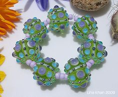 Lina Khan | Lampwork Beads: ALZIRA - Emerald Rounds with chunky encased Dots