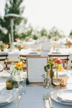 Wedding menu display Just because you are having a big wedding doesn't mean it has to feel that way. Wedding Menu Display, Wedding Reception Centerpieces, Wedding Arrangements, Wedding Table Settings, Wedding Seating, Wedding Table Numbers, Wedding Decorations, Table Wedding, Place Settings