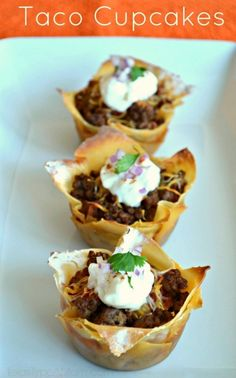 This savory, bite-sized appetizer Taco Cupcakes recipe makes the perfect appetizer for football season or a main dish for any occasion. All the flavors you love from tacos made wrapped in wonton wrappers for an easy to eat appetizer. Bite Size Appetizers, Appetizers For Party, Appetizer Recipes, Kabob Recipes, Fondue Recipes, Taco Appetizers, Appetizer Ideas, Recipes Dinner, Dessert Recipes